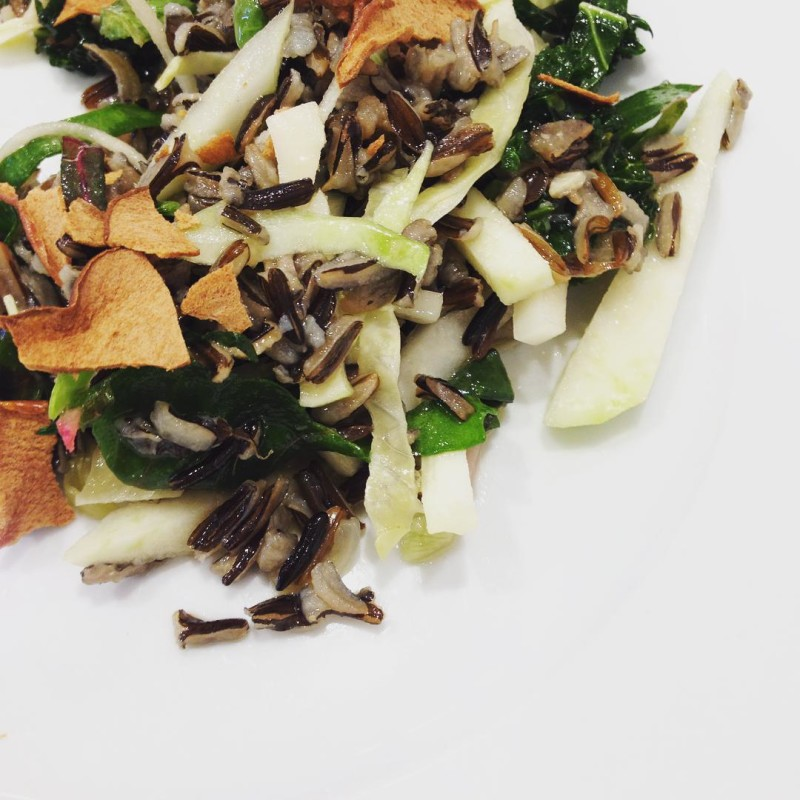 Wild rice #grainbowl w/ #kohlrabi, greens and #apple chips @stockcafe #chicagofood #inadvertantlyvegan
